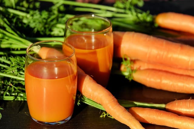 health benefits of juicing fresh fruits and vegetables once a day
